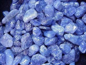 Камень Танзинит