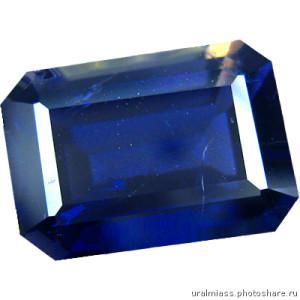 Камень иолит