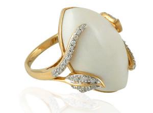 Перстень с натуральным кахолонгом