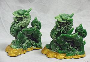 Зеленый минерал нефрит