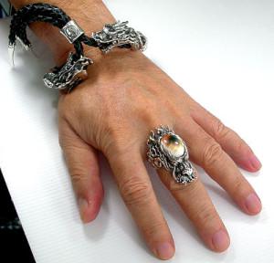 золотые кольца с камнями для мужчин