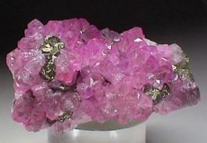 Розовый кальцит