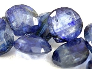 Натуральный минерал иолит