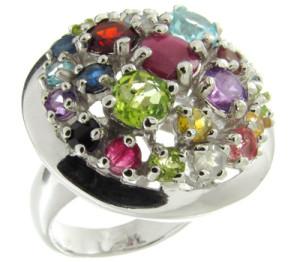 Много камней в кольце