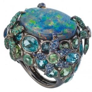 Кольцо с опалом и кристалами