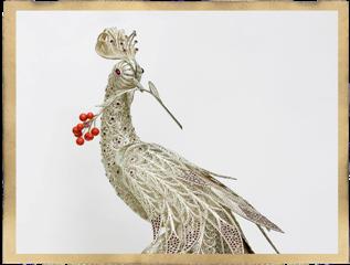 Птица из драгоценных материалов