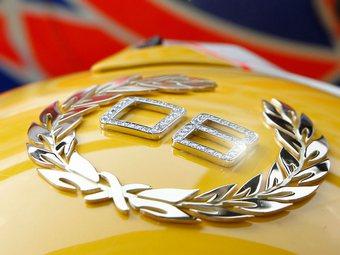 Украшение гоночного шлема